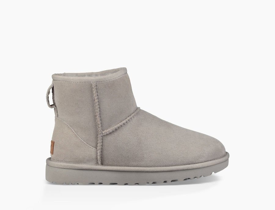 50c25644241 ... chaussons et chaussures pas cher. UGG Femme Boots – Classic Mini II  Bottes – SEAL
